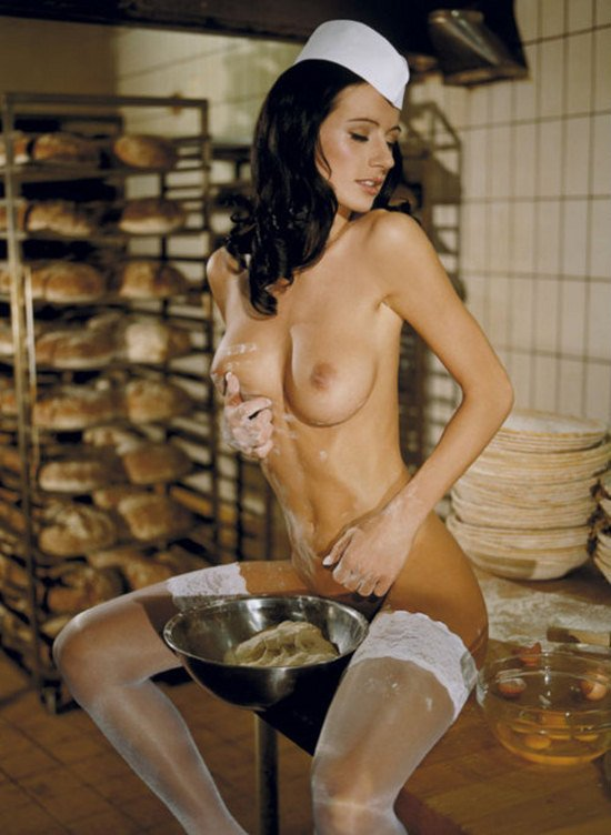 Порно фото голые больше ездовые старых женщины девушки большими титьками