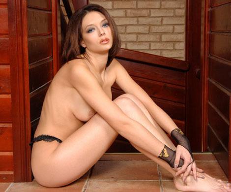 sluchayno-podlovlenniy-seks-na-veb-kameru-foto-erotika-zhenshini-v-vozraste-rakom-i-yubkah