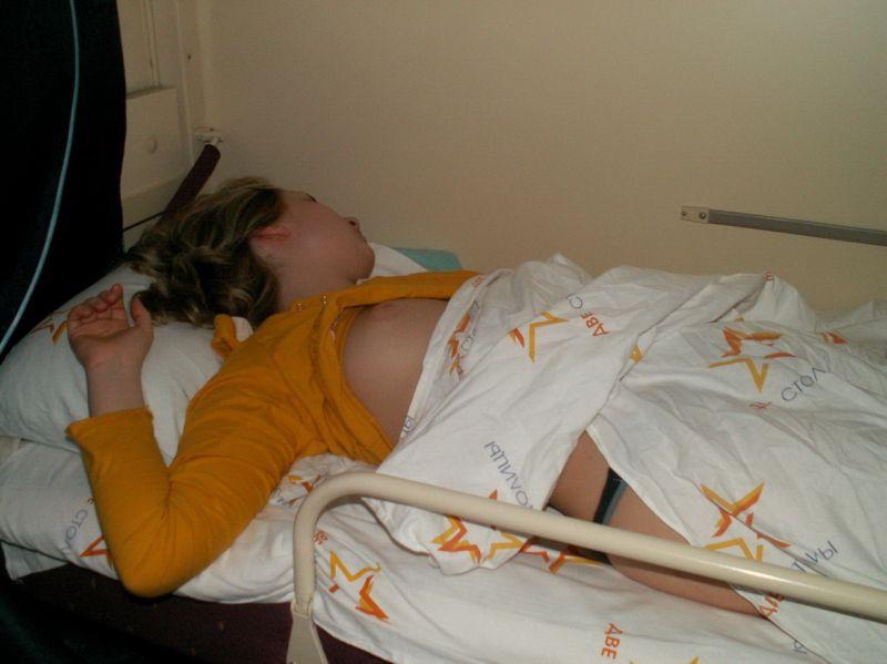 подглядывание спящих девушек самозабвенно