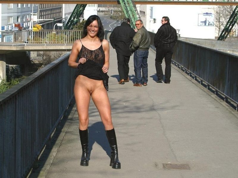девушке очень фото девки не носят трусики тайное общество…