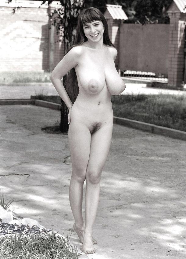 Фото черно белое ретро эротики, порно фото попки дома